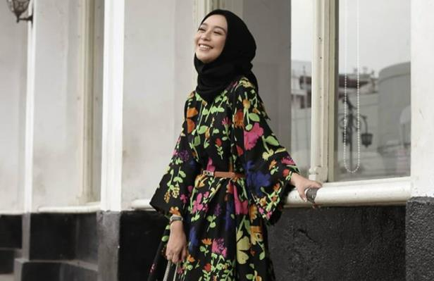 10 Inspirasi Dress Wanita Terbaru untuk Tampil Girly